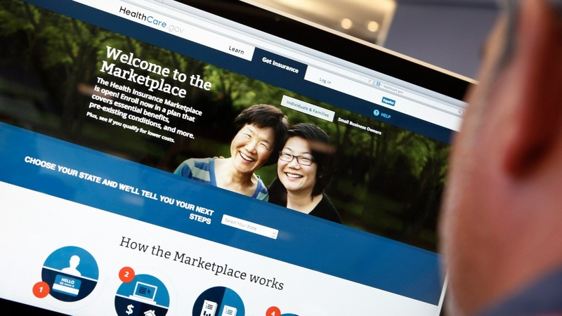 Americans sign up for Obamacare but low enrollment expected