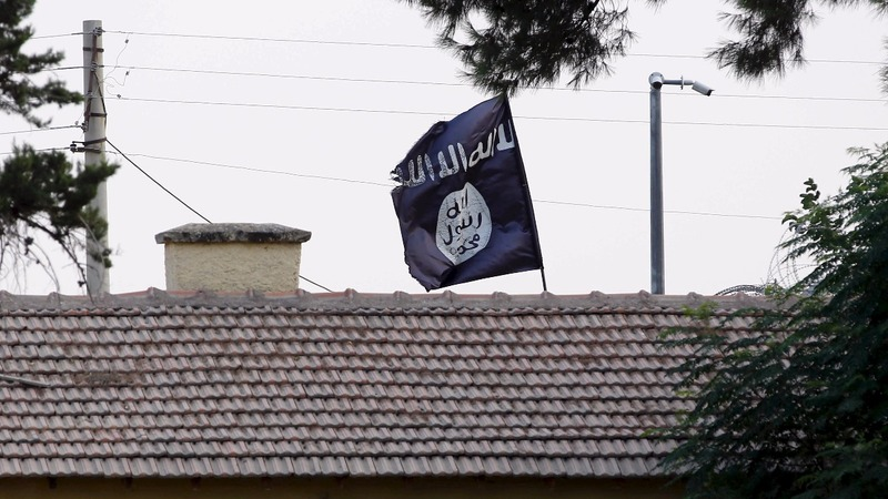 Islamic State loses more ground in Iraq, Syria