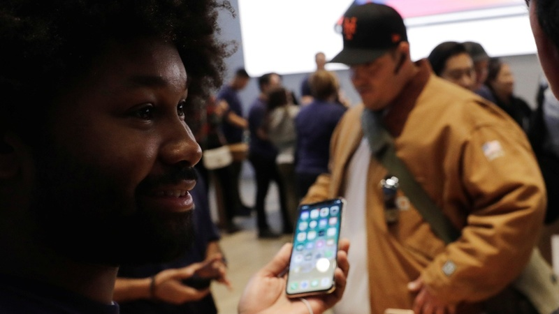 iPhone X sets Apple on path to $1 trillion market value