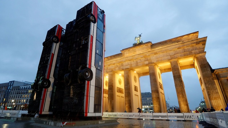 INSIGHT: Berlin exhibit a protest against war in Syria