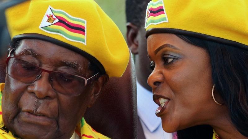 Zimbabwe army takeover: Mugabe 'under house arrest'