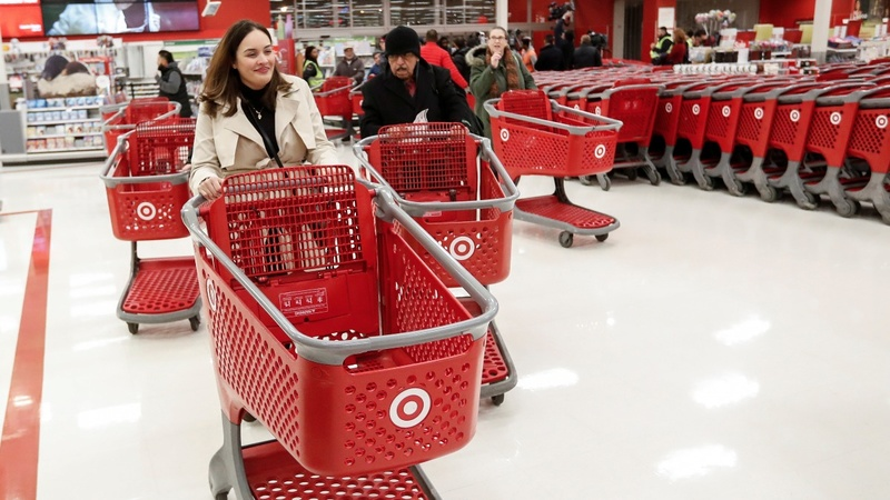 Target slumps into crucial holiday quarter