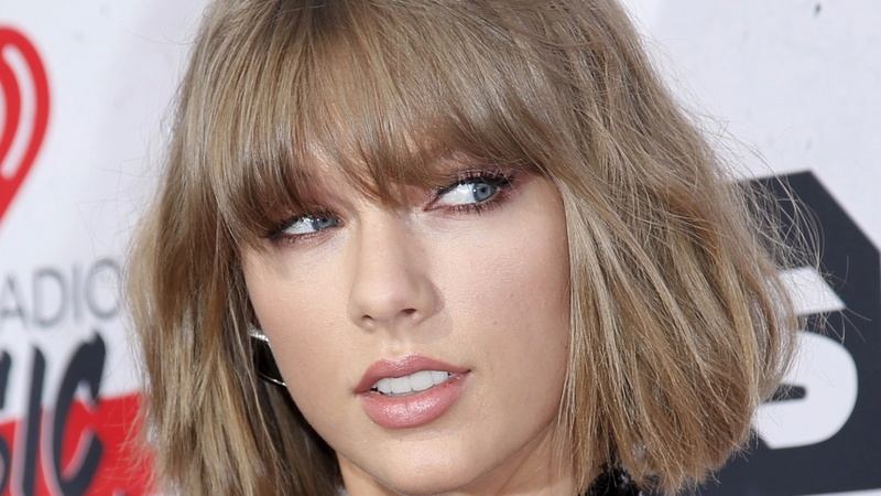 CD sales? Swift bucks streaming trend with top-selling album