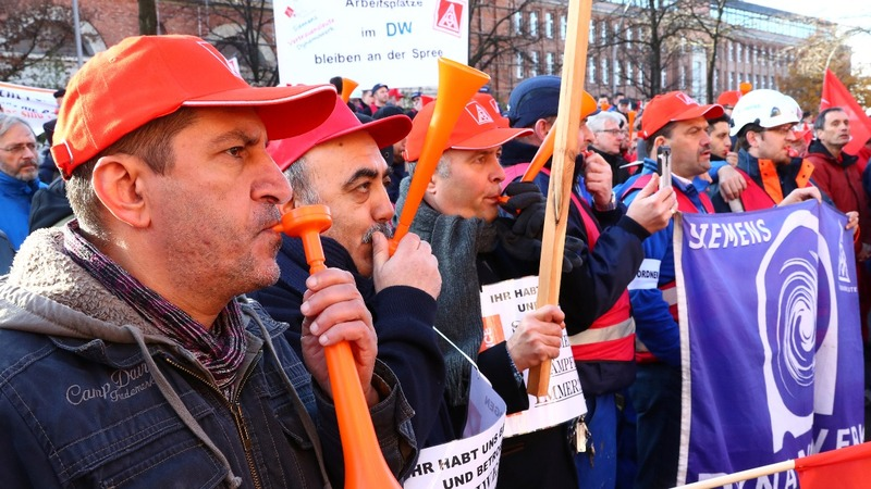 Job loss protests get political for Siemens