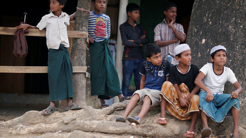 Hunger fears mount as Rohingya arrivals continue