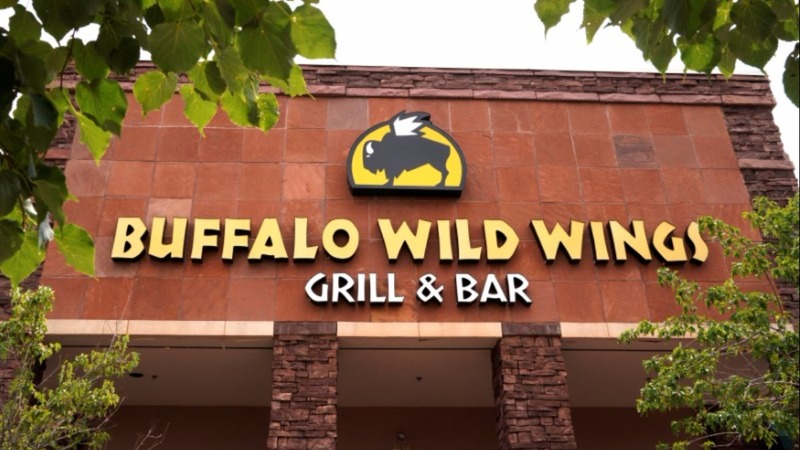 Arby's owner buys out Buffalo Wild Wings