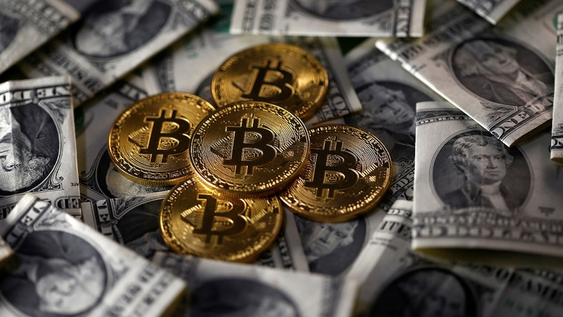 Bitcoin value nosedives 20 percent in 24 hours