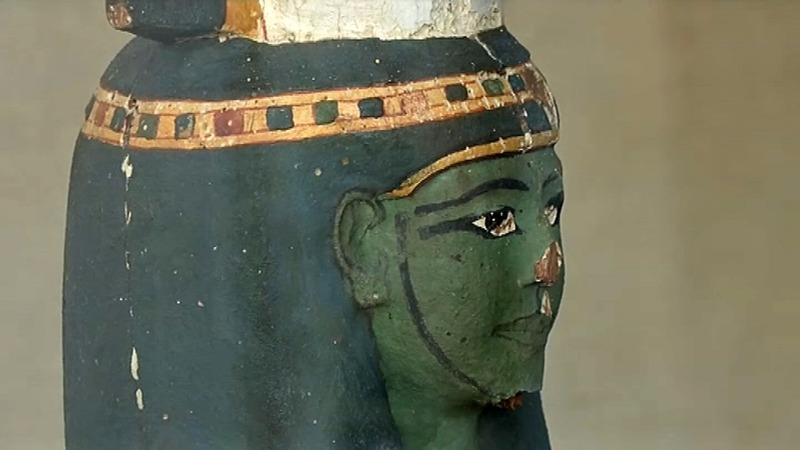 Egypt unveils artifacts and mummy from Luxor tomb