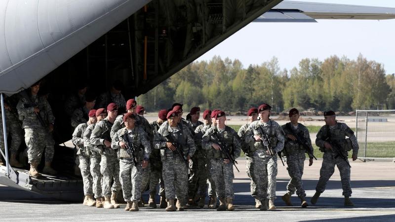 Pentagon to allow transgender recruits on Jan. 1