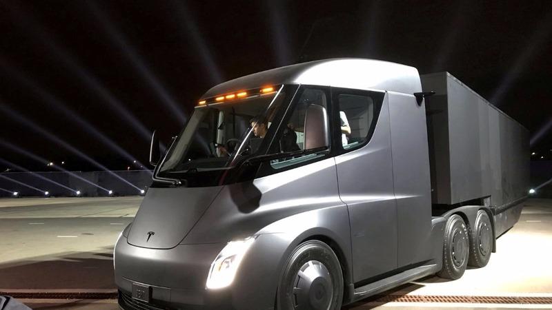 Tesla's big rigs get biggest public order from PepsiCo