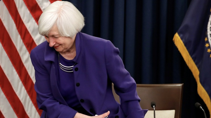 Outgoing Fed chief Yellen leaves U.S. economy to Powell