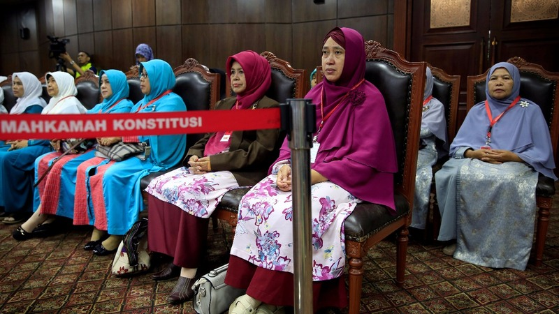 Indonesian court rejects push to ban extramarital sex