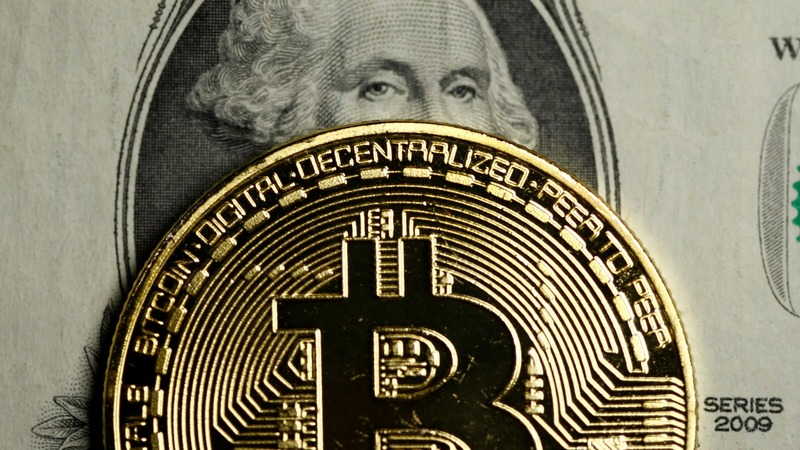 PERSPECTIVES: Bitcoin faces warnings and rivals in 2018
