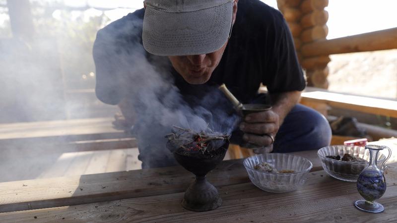 'Smells like heaven': Israeli farm recreates gifts to Jesus
