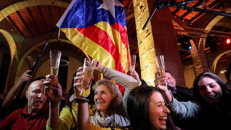 Catalan separatists win shock narrow victory