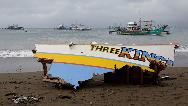 Five dead after ferry capsizes in the Philippines