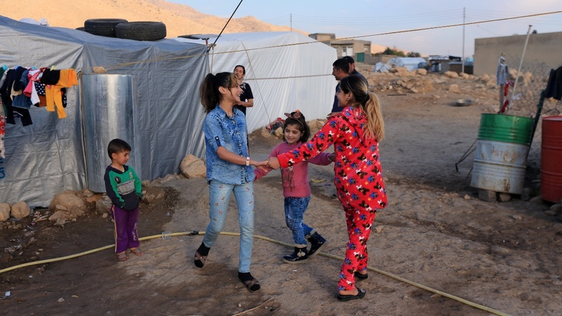 Yazidi sisters reunited after IS kidnapping
