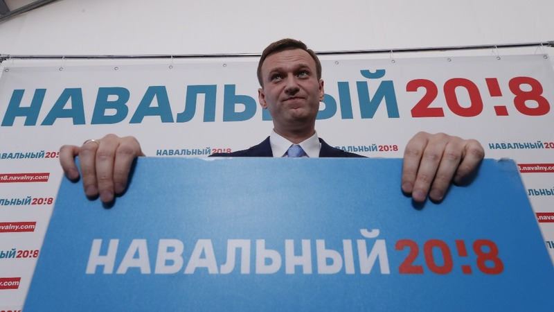INSIGHT: Russians endorse Navalny to challenge Putin