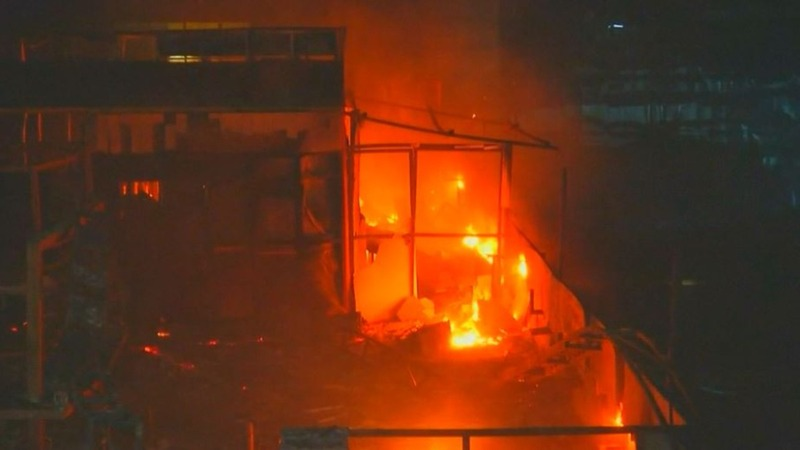 Fire kills at least 12 in India's financial capital