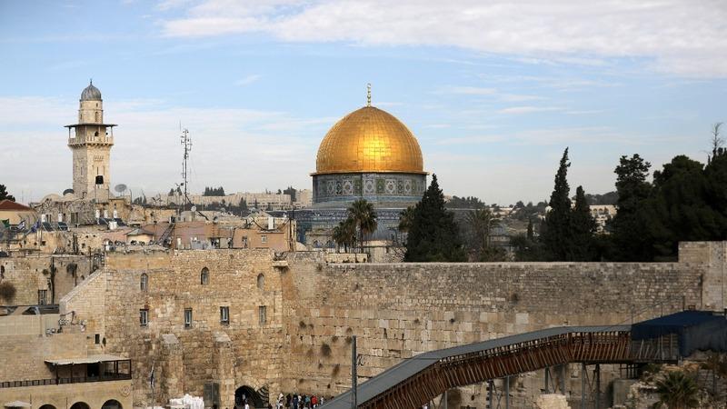 Israel changes law to make it harder to cede Jerusalem control