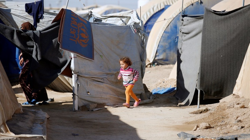 Iraq sends displaced people home - despite the dangers