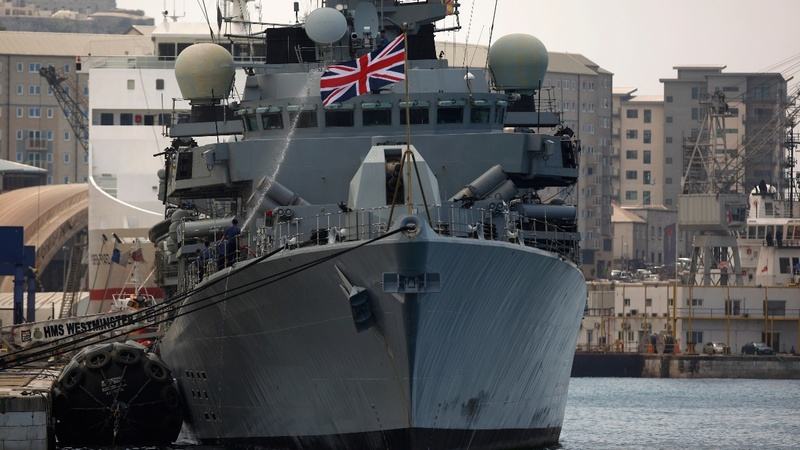 Russia sends warships close to Britain, again