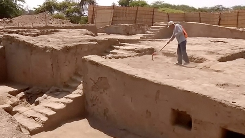 Ancient throne room unearthed in Peru