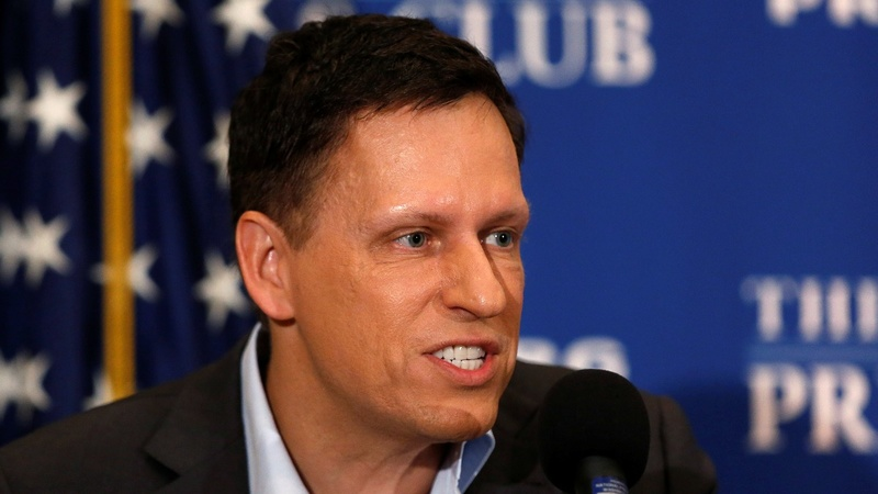Peter Thiel bids to buy Gawker after helping to bring it down