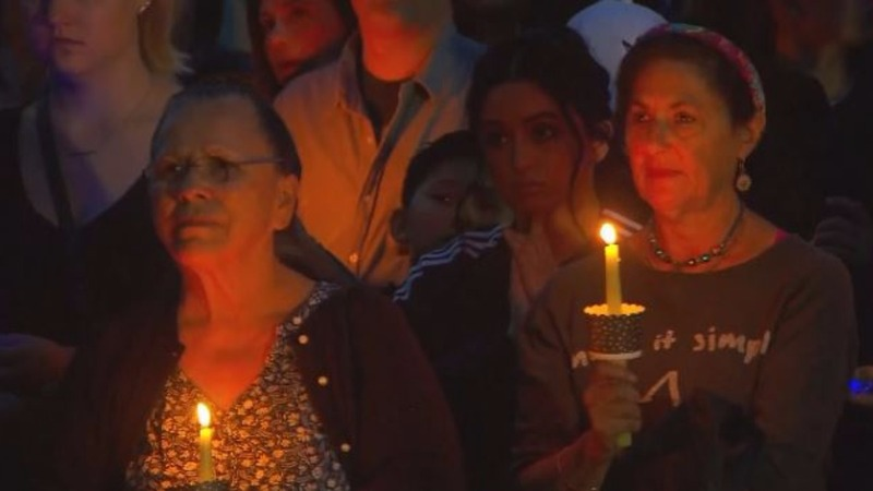 Thousands mourn lives lost in mudslides
