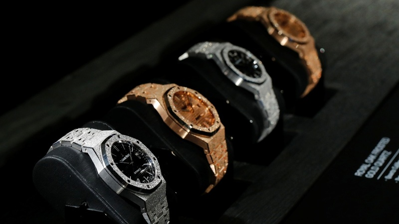 Luxury watchmaker Audemars embraces second-hand