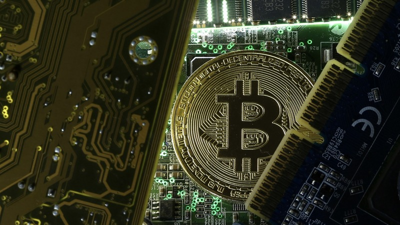 Global insurers take risks with cryptocurrency