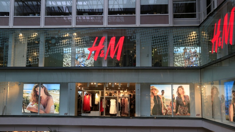 H&M to open fewer stores in 2018 as online shift hurts