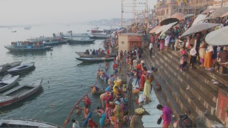 INSIGHT: Hindus wash away their sins in holy rivers