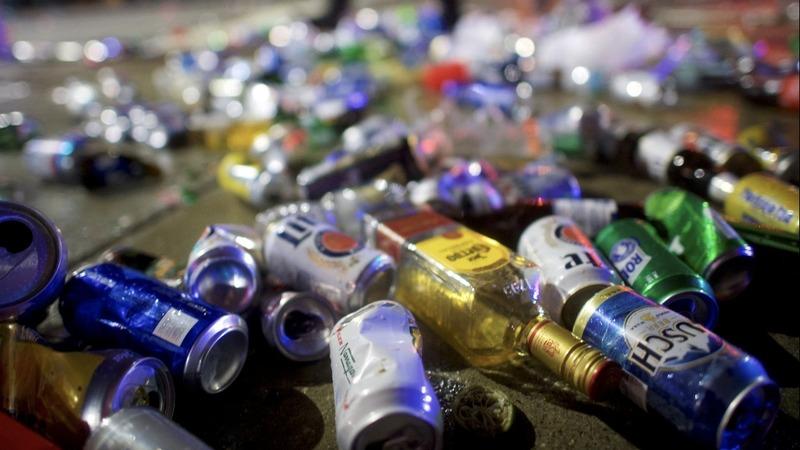 INSIGHT: Rowdy Super Bowl fans leave Philadelphia trashed