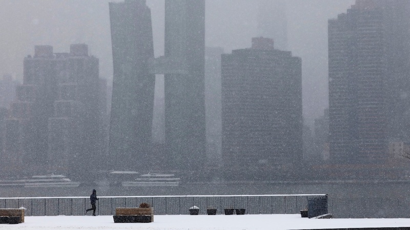 Major winter storm slams Midwest