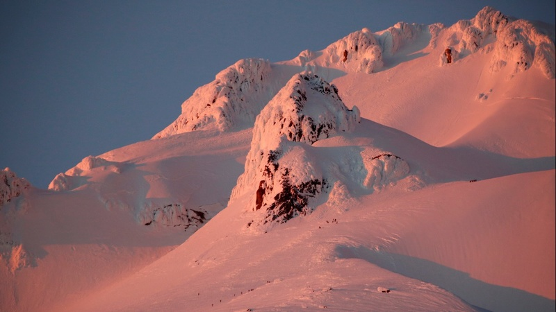 Climber killed in fall on Oregon's Mt. Hood