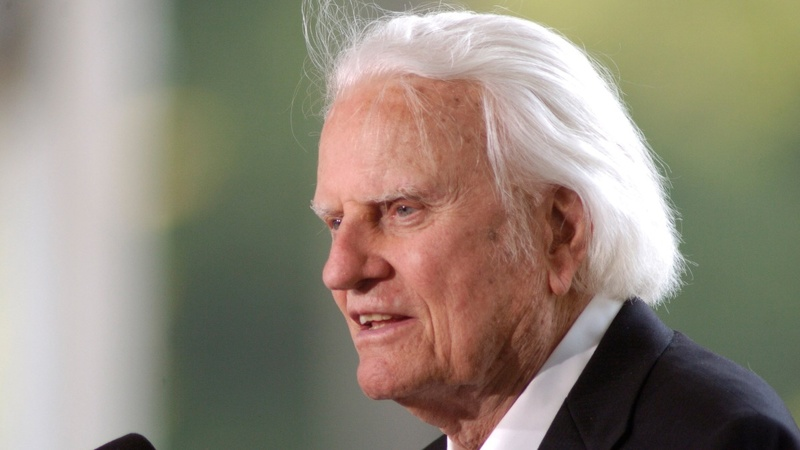 Evangelical torchbearer Billy Graham dies at 99