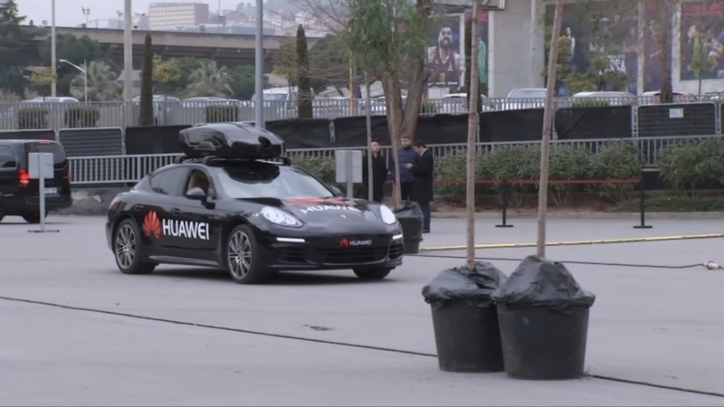 AI-powered smartphone 'drives' a car