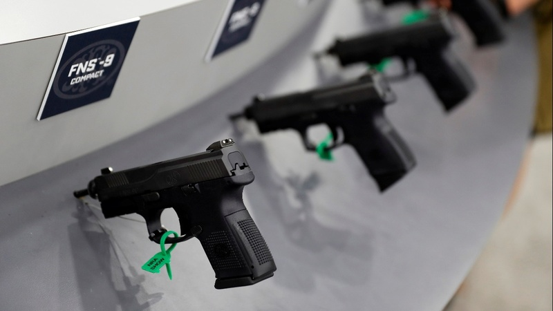 Florida lawmakers pass gun, school safety bill