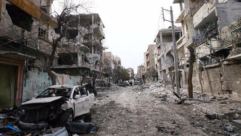Syrian army splinters rebel-held Eastern Ghouta