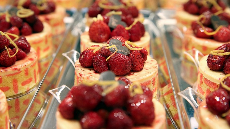 Italy's top pastry chef sweetens trips to the bank