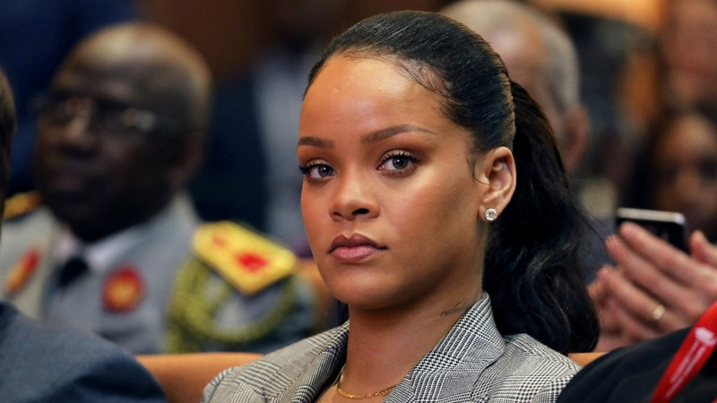 Snapchat value drops $1bln on Rihanna rebuke