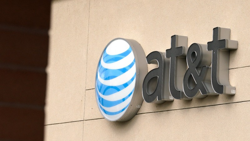 DOJ urges judge to block AT&T-Time Warner merger