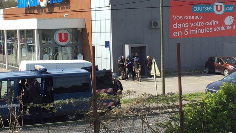 French police kill gunman after hostage-taking