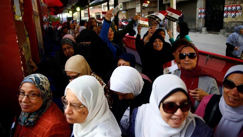 Egyptians vote amid complaints of repression