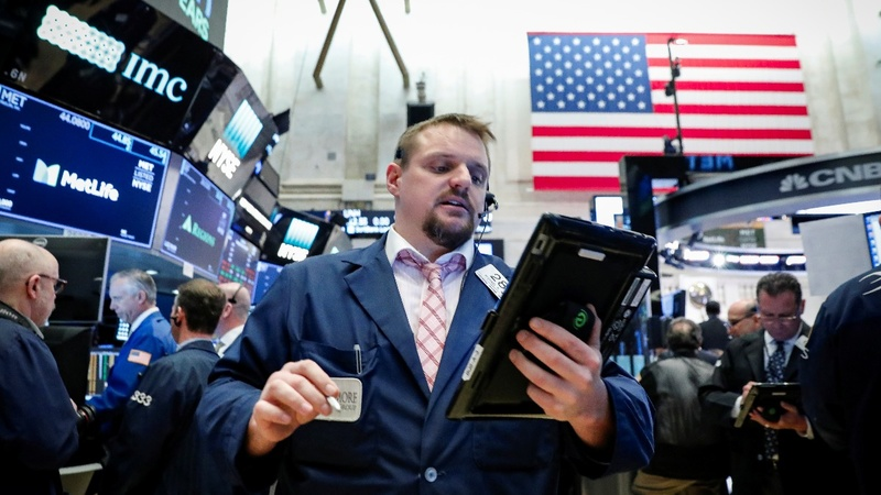 Wall Street rebounds in biggest rally in 2-1/2 years