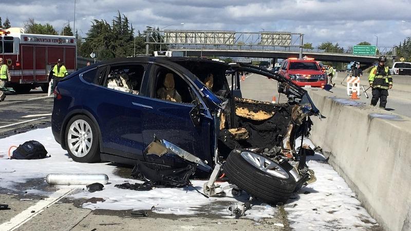 Tesla shares nosedive on crash probe, downgrade