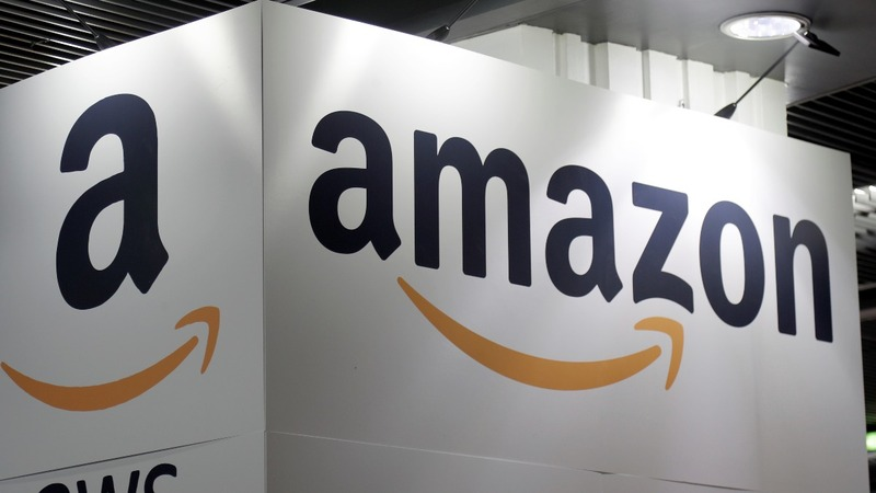 Trump targets Amazon again in Twitter attack