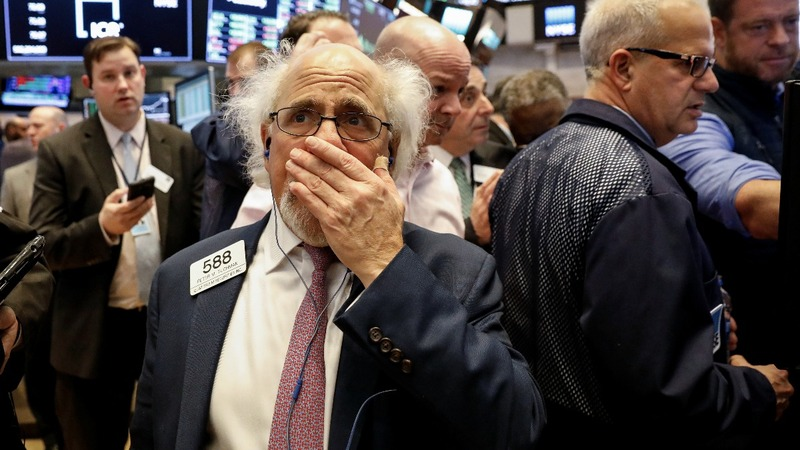 Stocks plunge on trade war fear; tech leads selloff