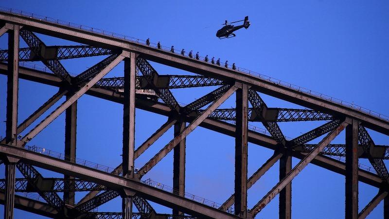 Sydney police arrest bridge climber after traffic chaos